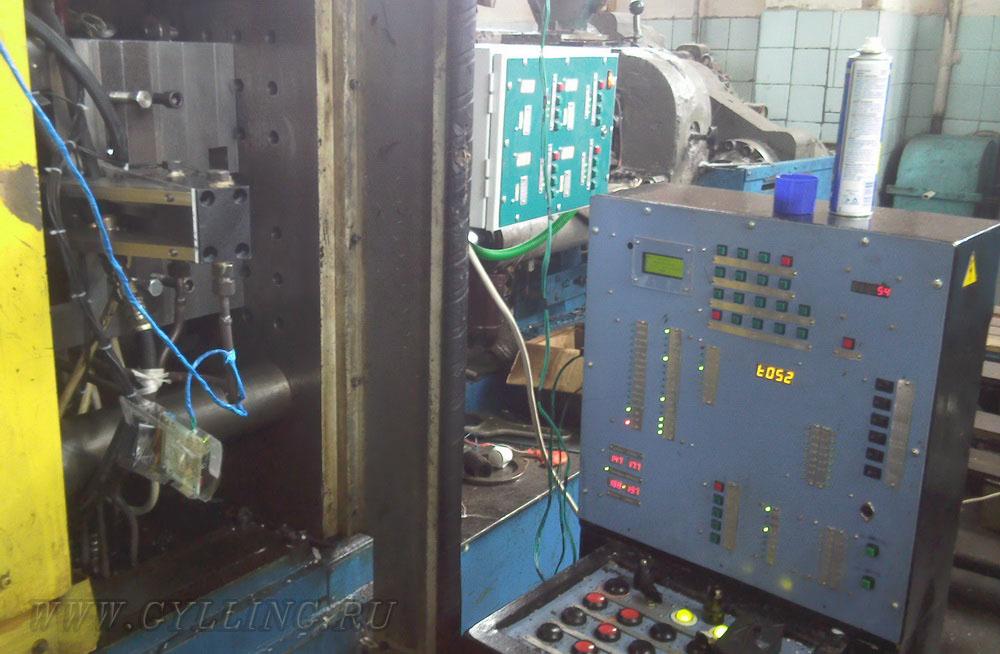 Термопластавтомат ДЕ3334 с